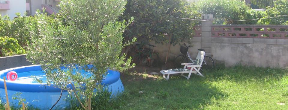 App. uno – il giardino dietro
